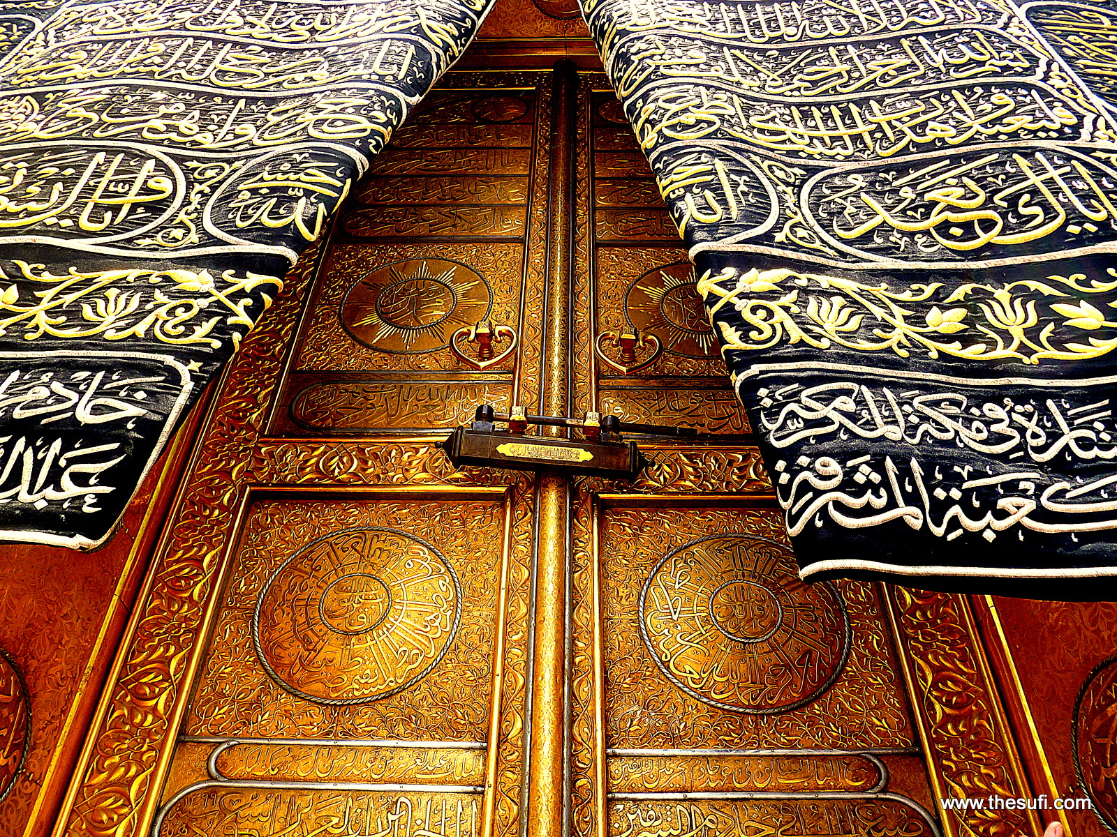 The Door Of Kaaba Makkah Muazama 1600px